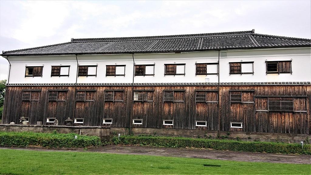 帆足酒造の酒蔵跡。現在は大分市に寄贈されているが、内部の見学可。